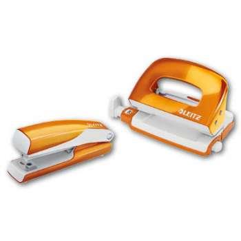 Sada sešívačky a děrovačky LEITZ WOW - metalicky oranžová