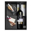 Dárková kazeta s vínem a doplňky k přípravě svařáku
